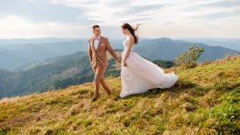 Snoubenci jsou opět zoufalí. Termín svatby jsme museli měnit už pětkrát, říká nevěsta