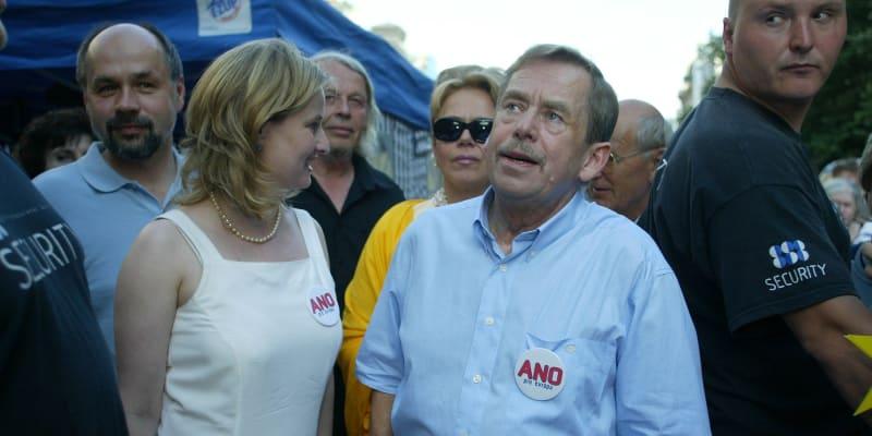 """""""Cítím-li se být Evropanem, neznamená to přece, že přestávám být Čechem,"""" Václav Havel."""