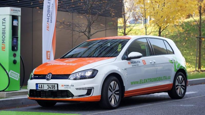 Blíží se konec prodeje benzinových aut. Jaké problémy přinese elektromobilita?