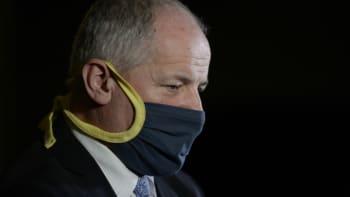 SLEDUJTE ŽIVĚ tiskovou konferenci ministra zdravotnictví: Prymula komentuje svůj skandál