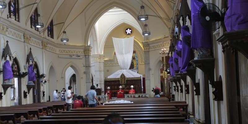 On-line mše z katolického kostela na Srí Lance, kde platí úplný zákaz vycházení
