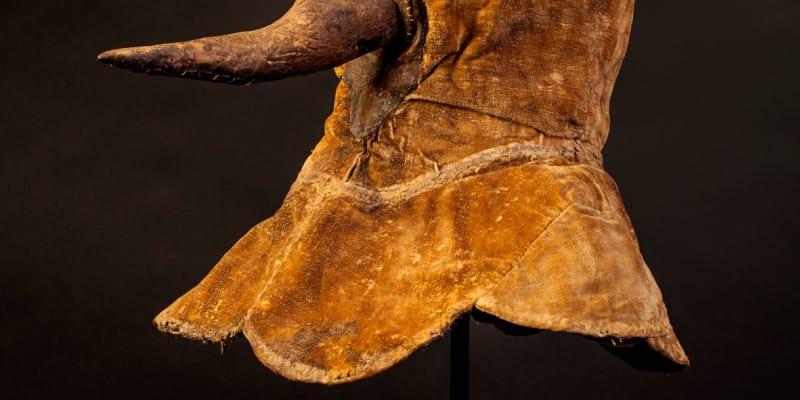 Berlínské muzeum reagovalo morovou maskou z let 1650 – 1750.