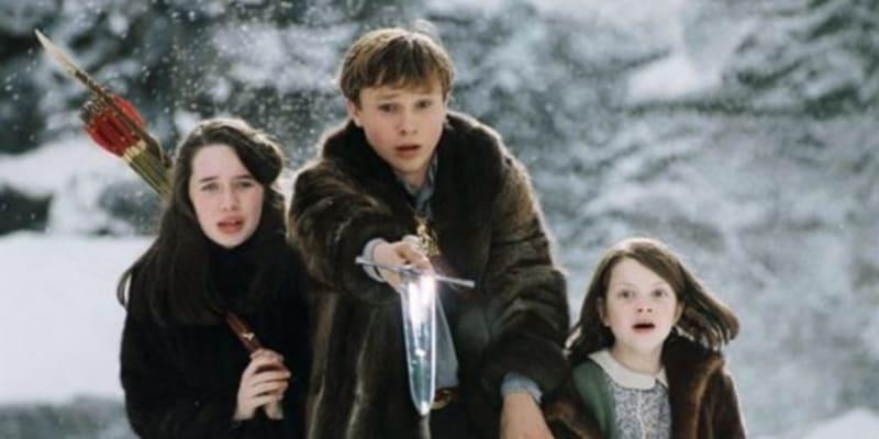Letopisy Narnie: Lev, čarodějnice a skříň měly premiéru roku 2005.