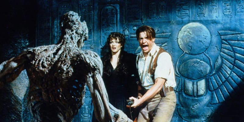 V Mumii hrají Brendan Fraser a Rachel Weiszová.
