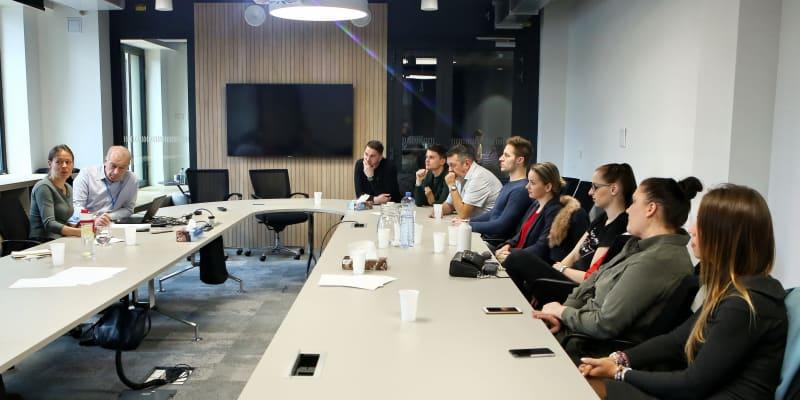 Porada s Timem Listerem v pražském sídle CNN Prima News