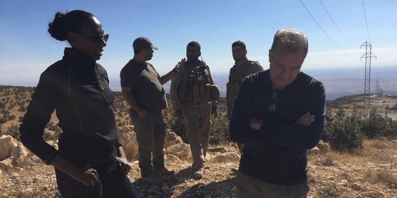 Tim Lister v pohoří Džabal Sindžár v severním Iráku na západ od Mosulu. Fotografie je z roku 2016.