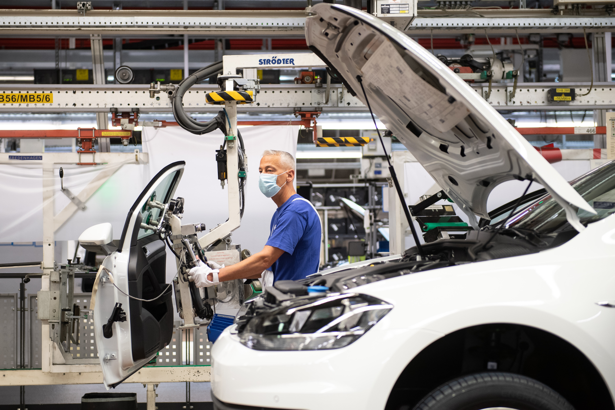 Automobilový průmysl je v Česku jeden z největších zdrojů zisku pro zahraniční firmy