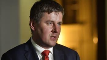 O spojení Rusů s Vrběticemi jsem věděl, říká exministr zahraničí Petříček