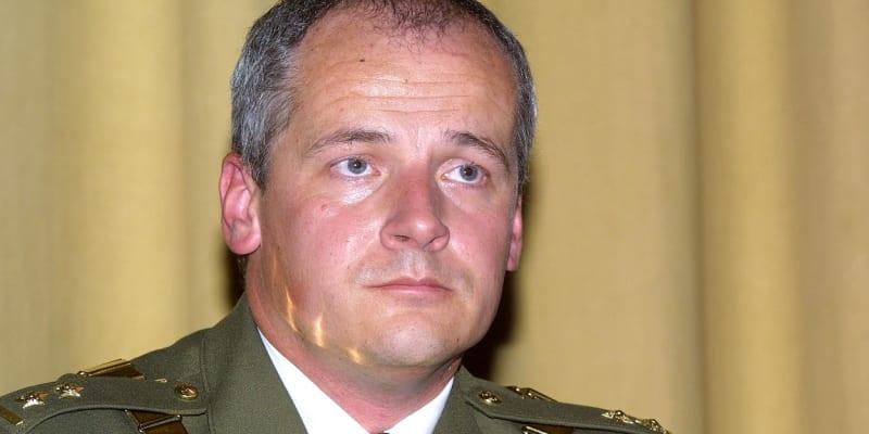 Roman Prymula v roce 2002 jako nový rektor Vojenské lékařské akademie v Hradci Králové. Foto: Profimedia