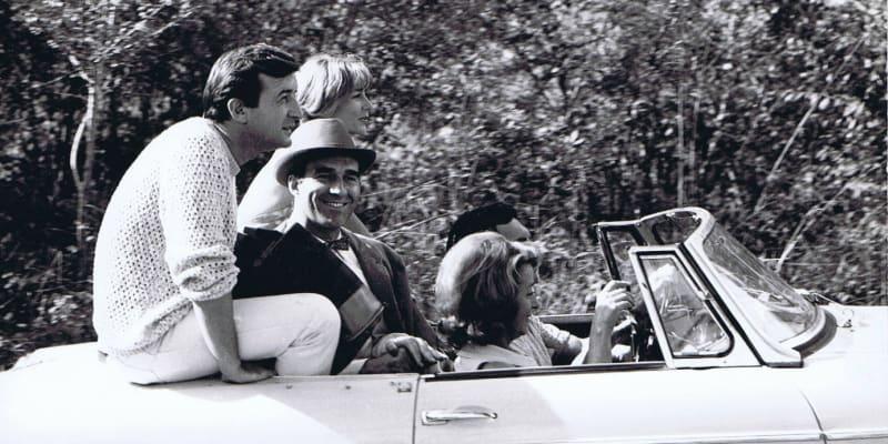Michel Piccoli v roce 1965 (s kloboukem).