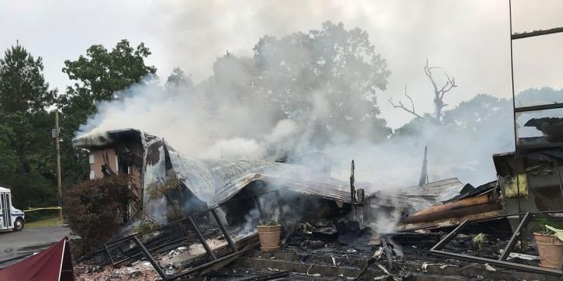 Kostel v Holly Springs zřejmě vypálil neznámý žhář