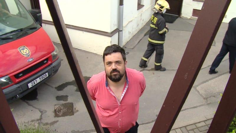 Zásahová jednotka chemiků odvezla z úřadu starosty Novotného podezřelou zásilku
