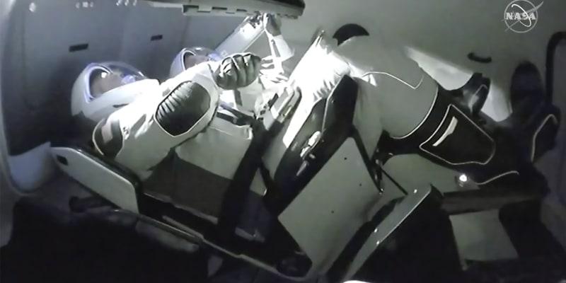Vesmírná loď Crew Dragon se úspěšně připojila k ISS