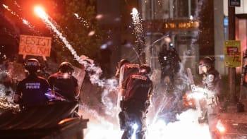 Ovlivní násilné protesty v Minneapolisu prezidentské volby? Napoví až další dny
