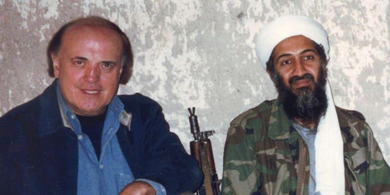 Reportér CNN Peter Arnett natočil v roce 1997 první televizní interview s vůdcem Al-Káidy Usámou bin Ládinem