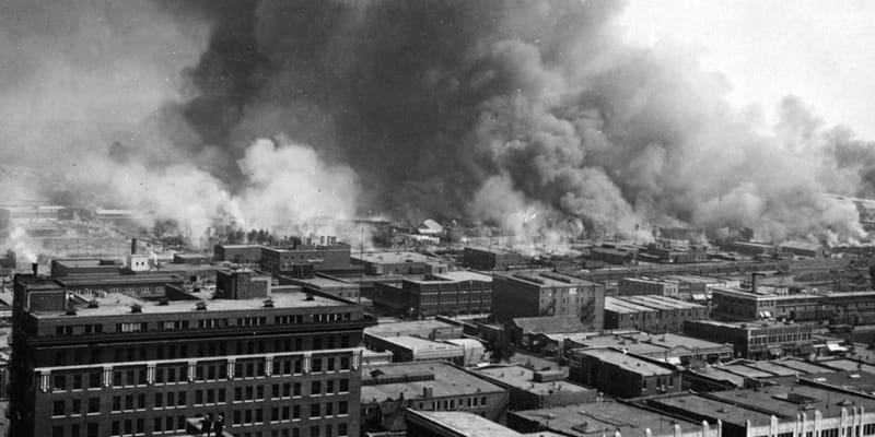 Davy tam zapalovaly domy i obchody.