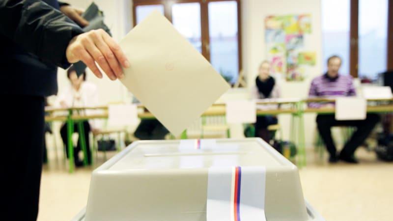 Vláda schválila možnosti, jak budeme volit. Ve hře je jedna kandidátka v celé zemi