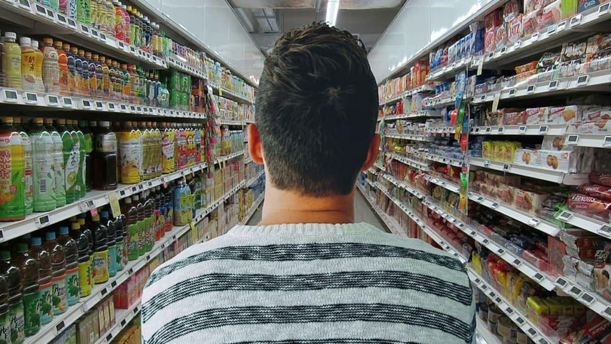 Poslanci se chystají nařídit obchodům prodávat přes 70 procent českých potravin
