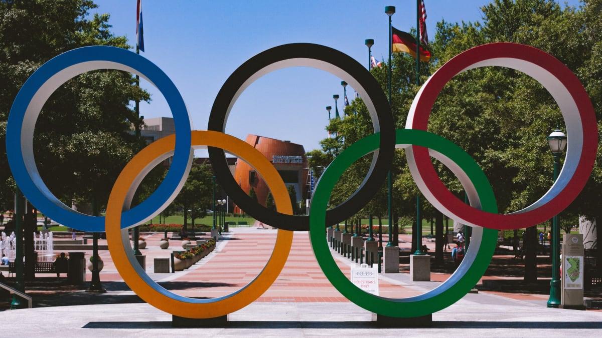 Olympijské kruhy před stadionem v Atlantě