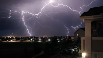 Meteorologové varují: Česko zasáhnou silné bouřky a vydatný déšť. Hrozí i povodně
