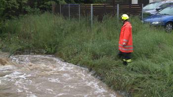 Půda už nedokáže přijímat vodu, další deště mohou spustit povodně, varuje klimatolog