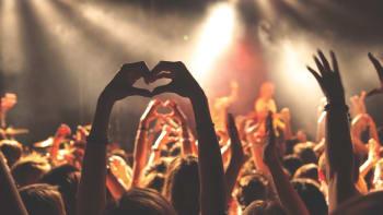 Koncerty pro 1000 lidí zachrání životy. Techtle Mechtle nehrozí, věří pořadatel