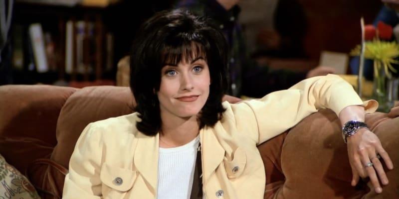 Monica (Courteney Coxová)