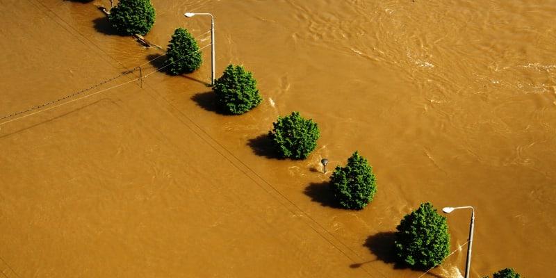 """""""Zelená infrastruktura"""" je podle nové analýzy proti povodním často levnější a efektivnější než inženýrské projekty, jako jsou přehrady či hráze"""