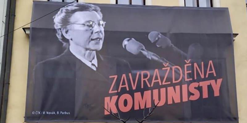 Plakáty s Miladou Horákovou zaplňují hlavní město.