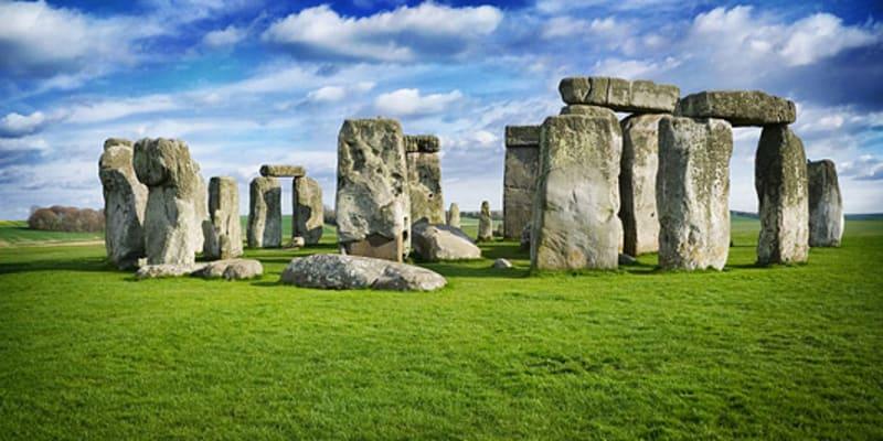 Největší prehistorická památka ve Velké Británii je stará 4500 let. Stála jen kousek od populárního Stonehenge, přesto její pozůstatky vědci objevili až nyní. Zdroj: Live Science