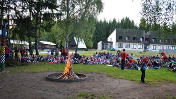 Hygienička: Pokud je dítě na táboře, v ČR musí být přítomen i zákonný zástupce