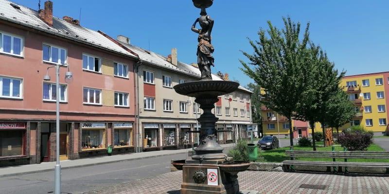 Náměstí v Osoblaze, sorela z padesátých let.