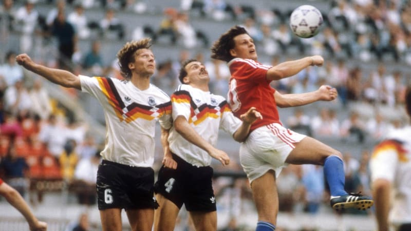 """Skuhravého jsme """"uklidnili"""", neměl šanci, říká v exkluzivním rozhovoru Jürgen Kohler"""