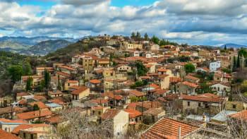 Další země zpřísnila podmínky pro Čechy, negativní test na koronavirus vyžaduje i Kypr
