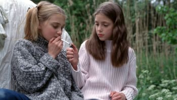 Děti a drogy: Letní prázdniny bývají krizové, téměř třetina šestnáctiletých kouří