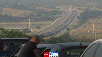 Kolaps na bulharsko-řecké hranici. Kilometrové fronty kvůli COVID-19