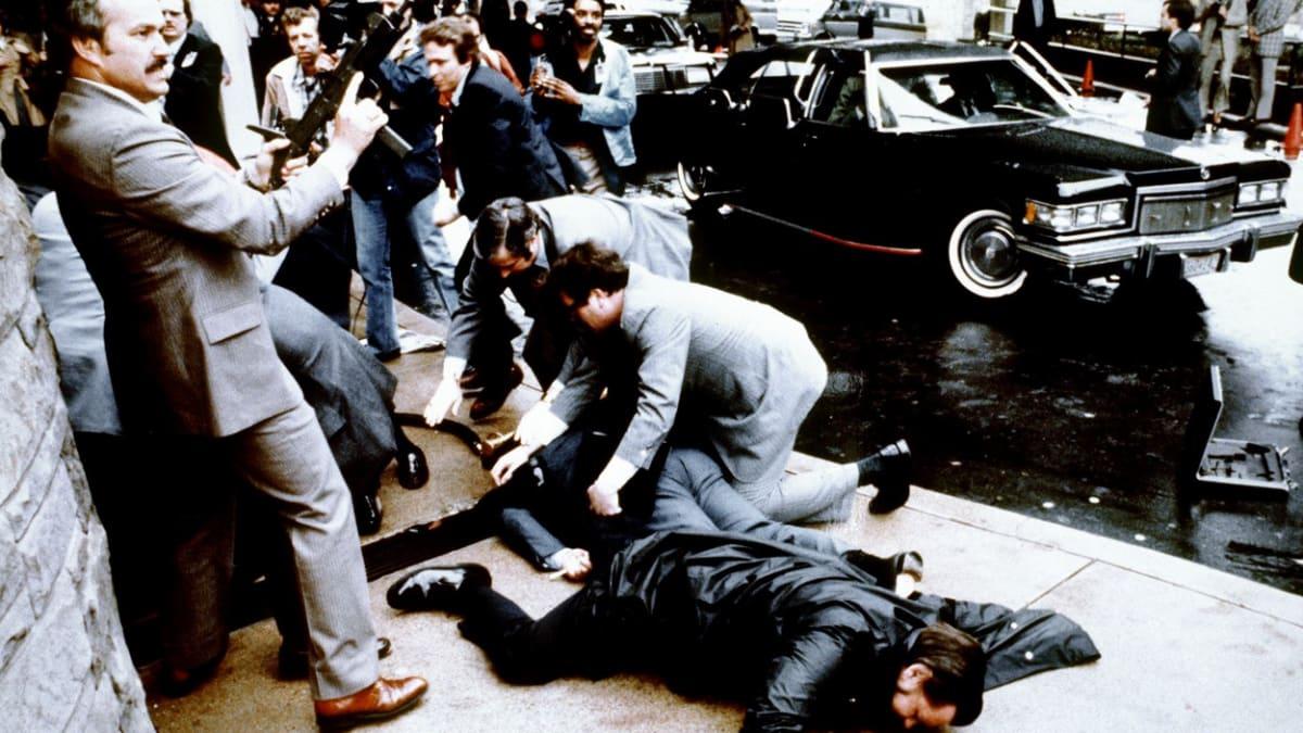 Atentát spáchaný na Ronalda Reagana 30. březen 1981