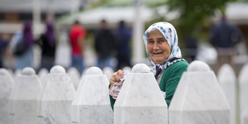 Mít hrob, který mohou pozůstalí navštívit, jim přinese úlevu.