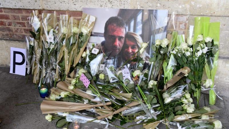 Zemřel francouzský řidič, kterého napadli, když vyžadoval po cestujících roušky