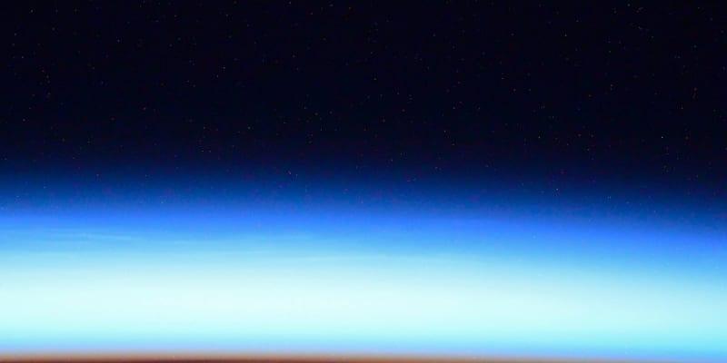Kometa Neowise pohledem z Mezinárodní vesmírné stanice (ISS)