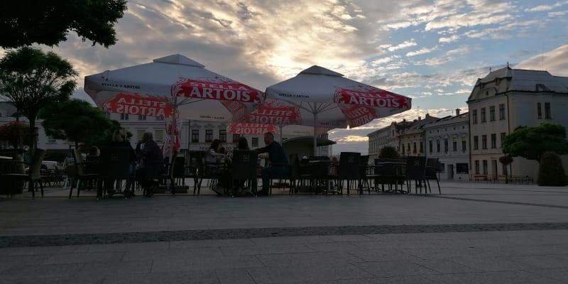 Stmívání nad večerní Karvinou, Masarykovo náměstí