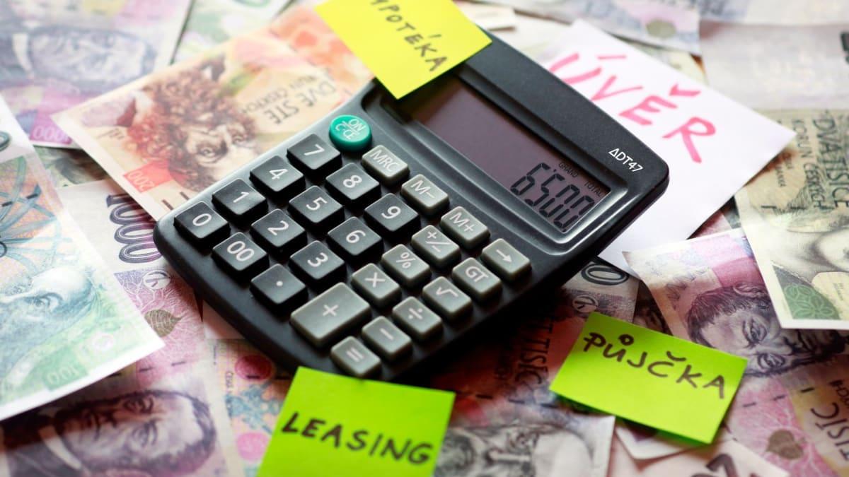 Dostupnost úvěrů se v Česku dramaticky zhoršila. U firem i domácností