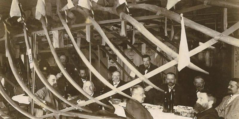 V květnu roku 1892 se konal takzvaný Banket ve velrybě.