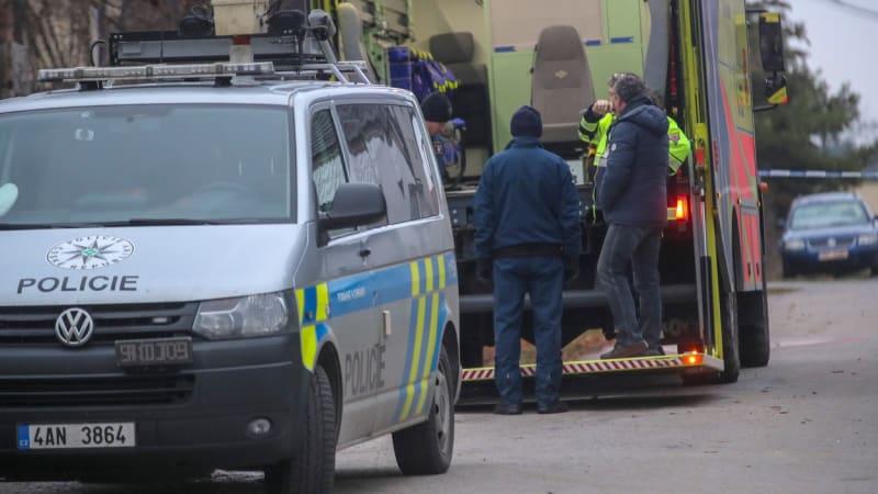 Nehoda osobního auta s dodávkou na Kladensku si vyžádala šest zraněných dětí