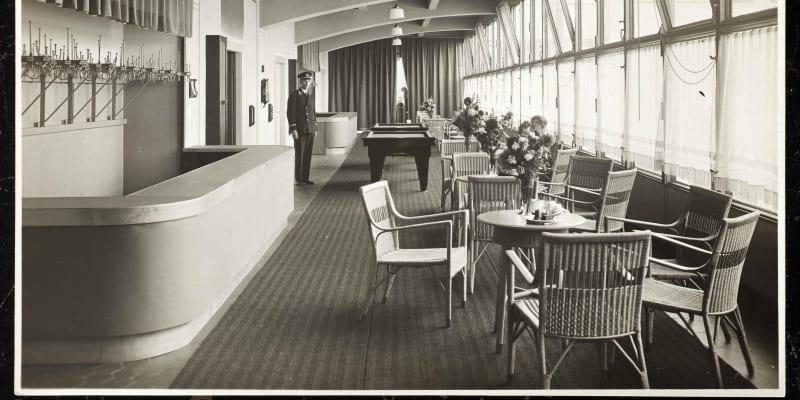 Kavárna v 5. patře měla výhled do okolí