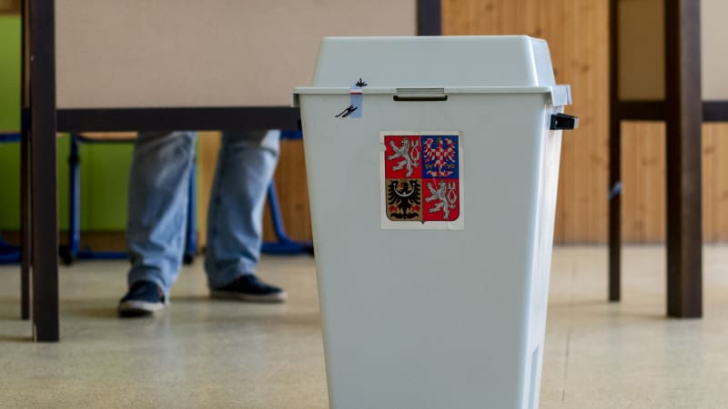 Sledujte ZÁZNAM Partie: Blížící se volby. Jak se daří kandidujícím stranám zaujmout voliče?