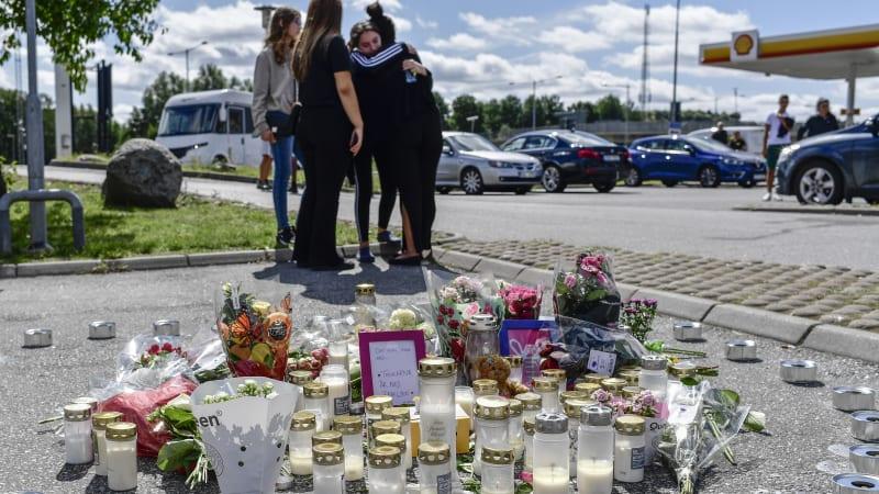 Při přestřelce ve Švédsku zemřela dvanáctiletá dívka. Zasáhla ji zbloudilá kulka