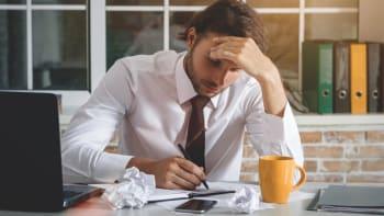 Podnikatelé v úpadku budou moci čerpat kompenzační bonus 500 korun denně