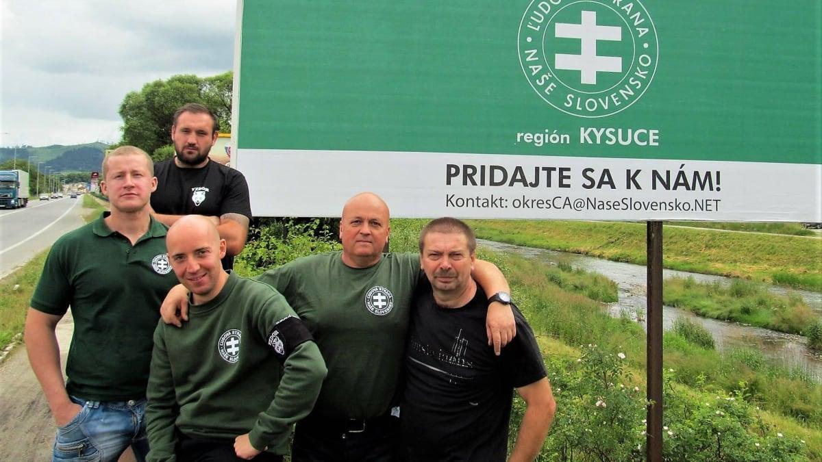 Bašty Mariana Kotleby u českých hranic aneb Proč Kysucko fandí extremistovi