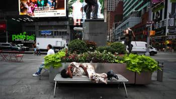 Bezdomovci v USA žijí v luxusních hotelech. Jsou to sexuální útočníci, tvrdí místní